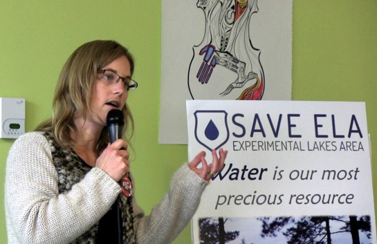 October 26, 2013: Diane Orihel, founder and director of the Coalition to Save ELA, speaks to a workshop in Winnipeg on water quality sponsored bu Idle No More Manitoba. Photo: Paul S. Graham