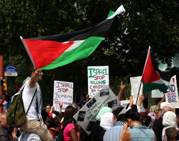 Winnipeg, July 19, 2014: Winnipeggers march in solidarity with the people of Gaza. Photo: Paul S. Graham