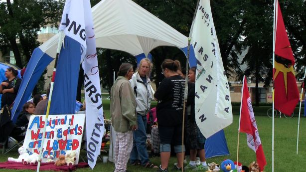 Winnipeg, Aug. 24, 2014: Some of the people camping out in Memorial Park to call for a national inquiry into the deaths or disappearances of over 1200 aboriginal women. Photo: Paul S. Graham